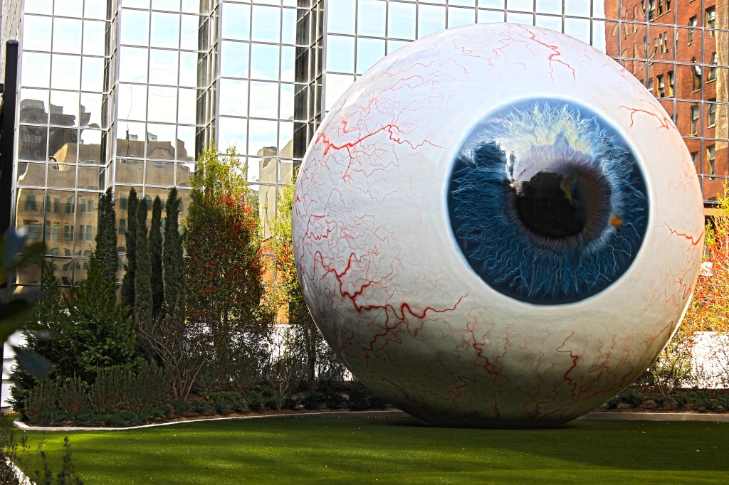 30 feet: The Eye